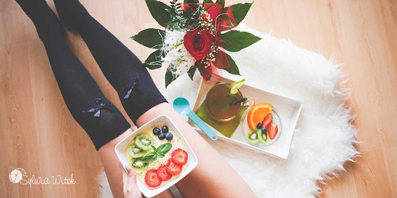 Śniadanie owoce i chia